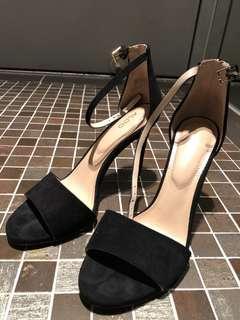 🚚 ALDO 黑色高跟鞋