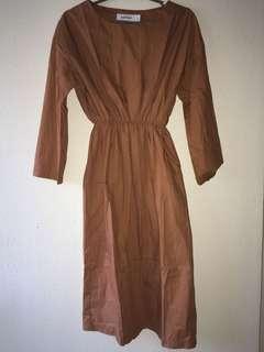 🚚 Elastic waist midi dress