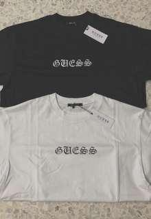 🚚 GUESS OFF WHITE FRONT LOGO TEE