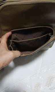 🚚 Braun Buffel bagpack worn twice