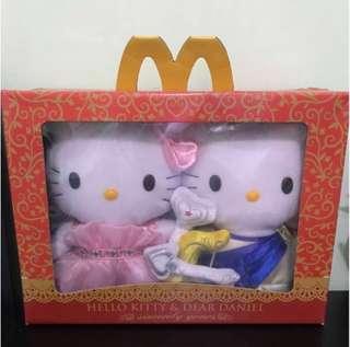 🎀 🎊 🎉 2013情人節版 全新 愛神丘比特天使 Sanrio Hello Kitty & Dear Daniel 情侶套裝 結婚公仔 2013 Valentine's Day McDonald 麥當勞 Wedding 擺設 婚禮 婚後物資 婚後用品 結婚用品 道具 花車公仔 👰🏼 🤵🏼 🌷 🌸