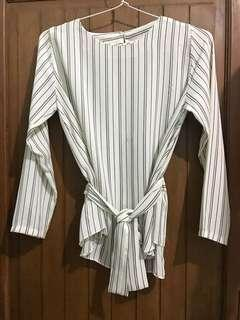 Tied up blouse Pull n Bear alike