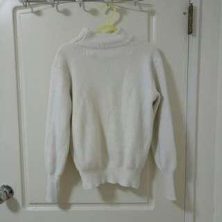 🚚 白微高領氣質毛衣