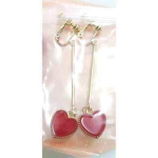 🚚 Red heart Clip-On earring
