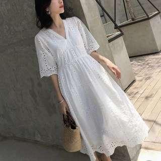 🚚 [現貨]*海島渡假風 白色蕾絲鏤空鉤花棉麻五分袖洋裝連身裙