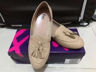 [PRELOVED/Bekas] Sepatu Payless merk Fioni size 5 warna cream
