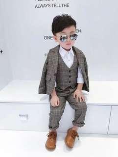 Charming 3-piece suit