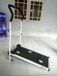 Alat Olahraga Treadmill