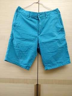 🚚 Uniqlo 男生藍綠色短褲 M
