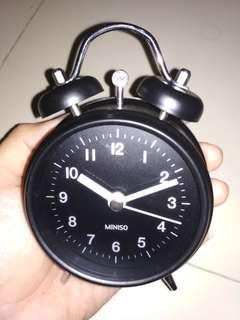 Miniso Alarm Clock Hitam