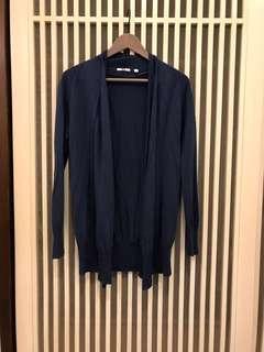 Uniqlo 深藍色羊毛混紡罩衫