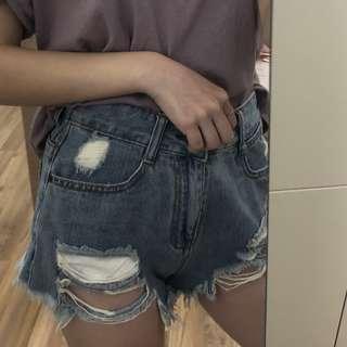 🚚 破洞短褲
