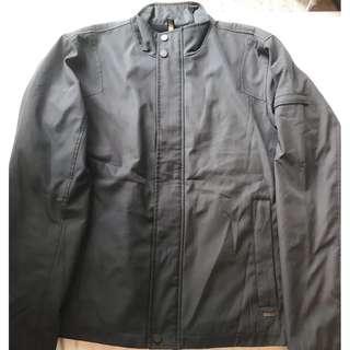 Calvin Klein 鐵灰色外套