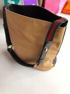 Gucci vintage bag 100% Authentic 85 % new