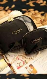 🚚 Chanel flower zip pouch