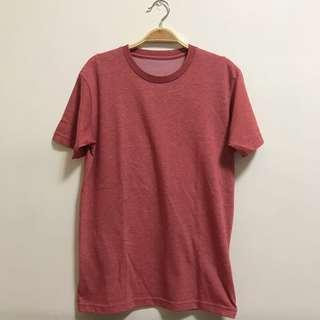 🚚 UNIQLO西瓜紅短袖#半價衣服市集