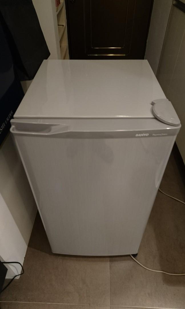 三洋小冰箱 SR-80A