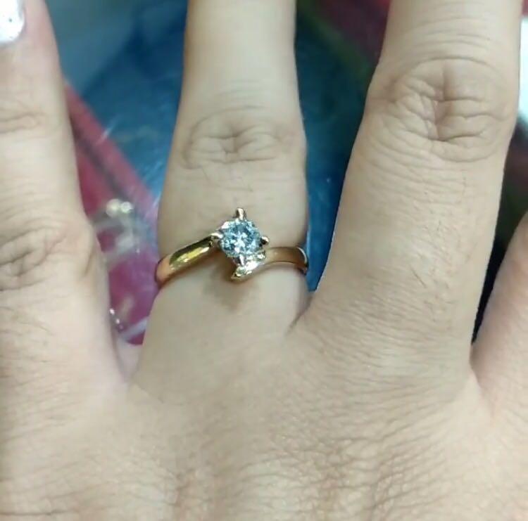 Buruan ya say cuman 1 aja, cincin mata satu batu besar, batunya jg sangat cantik say