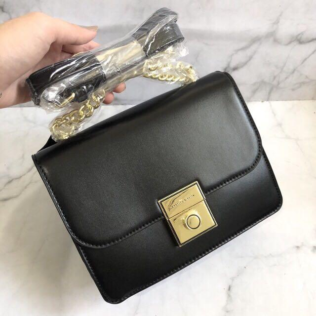 Charles and Keith circle pushlock