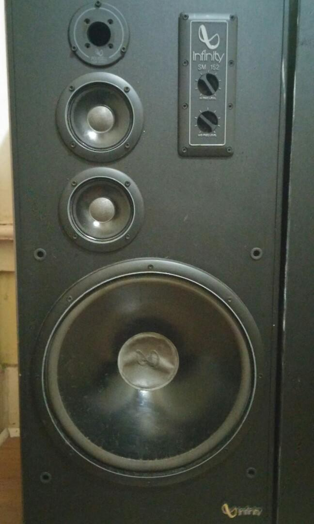 Infinity pair of speakers mint condition can negotiate