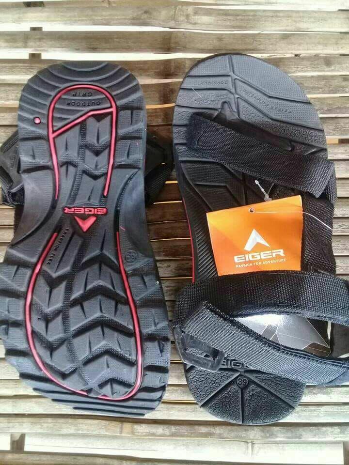 Sandal jepit dan sandal gunung