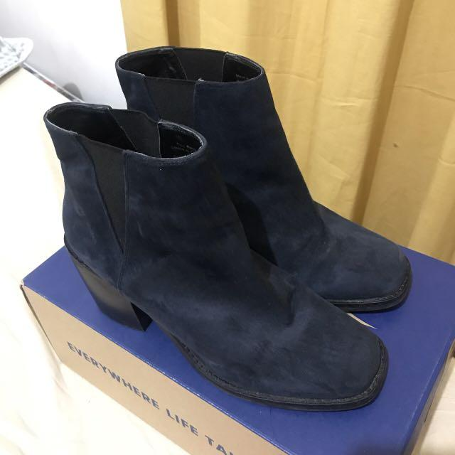 Shellys london navy suede square toe ankle boots in size 8US