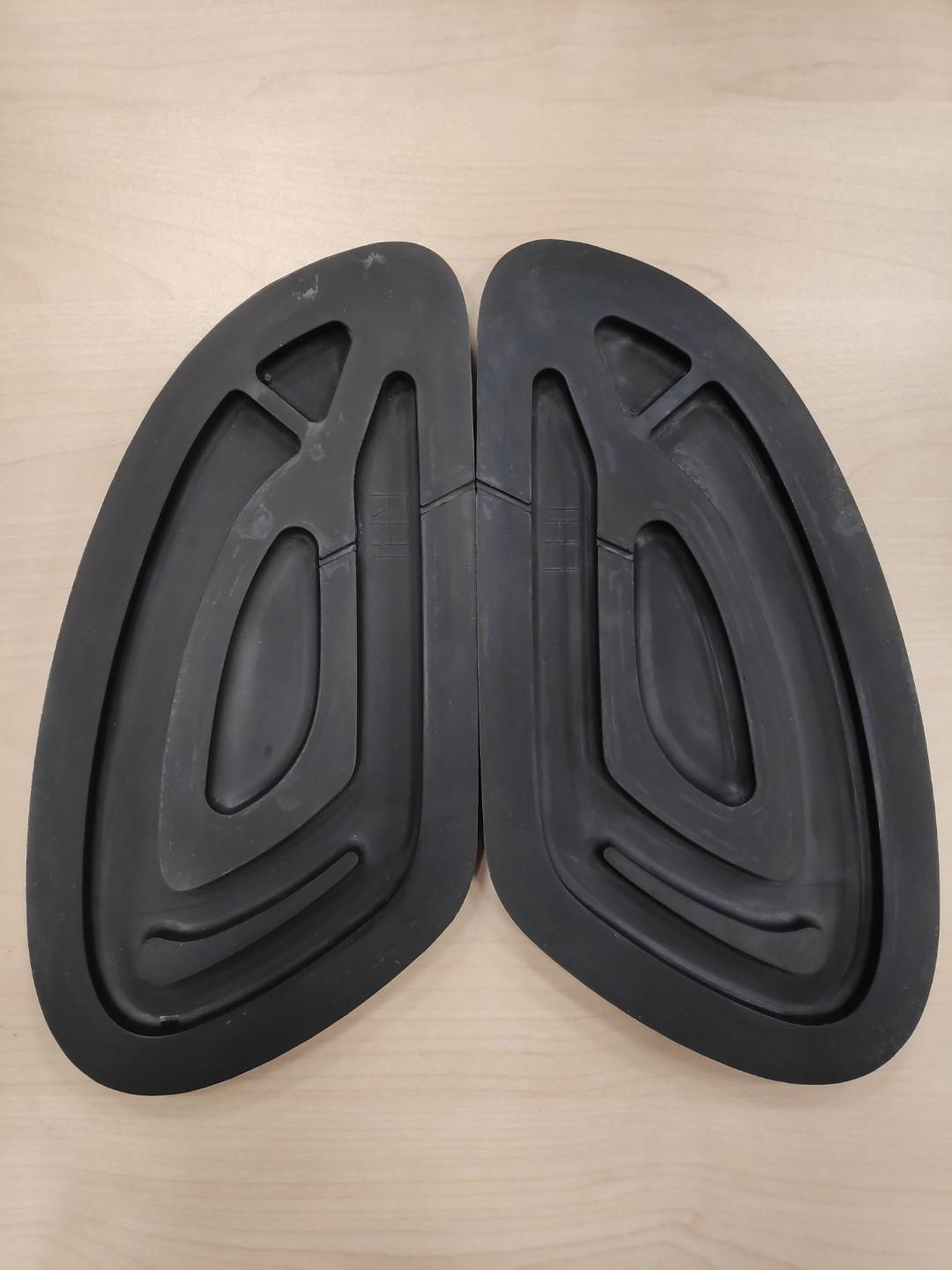 Triumph Knee Tank Pads for Modern Classic