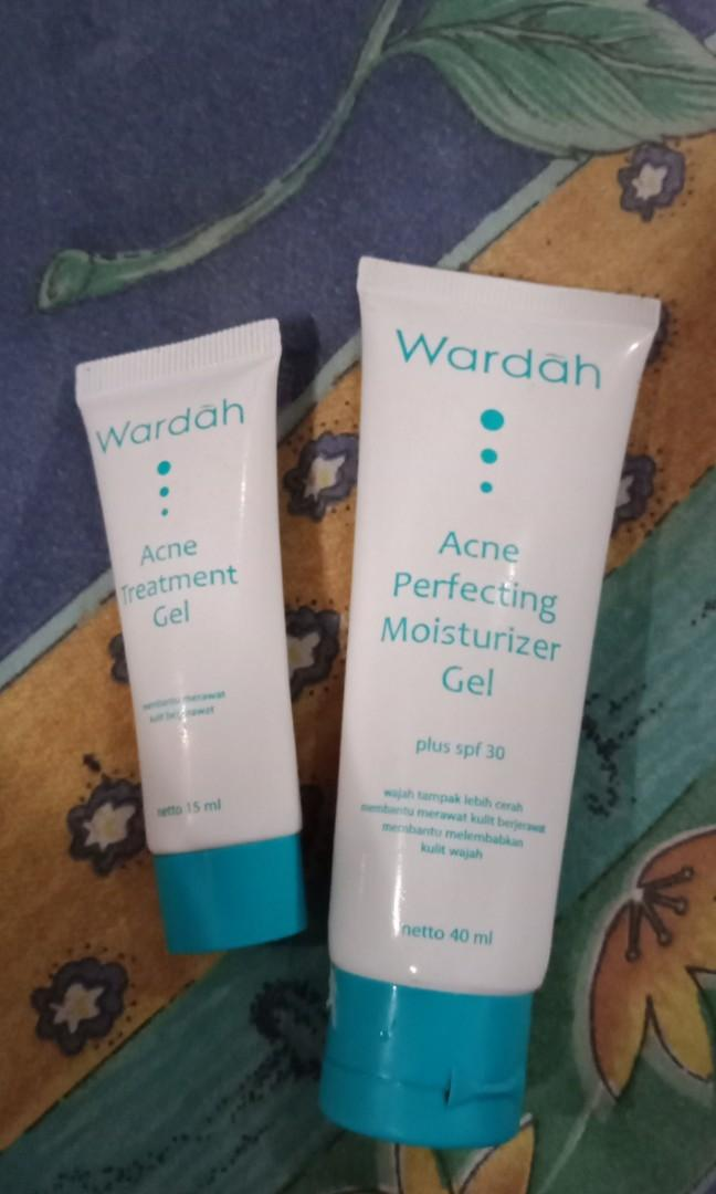 Wardah acne perfecting moisturizer gel spf 30 + acne treatment gel