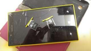壞機  Nokia 720