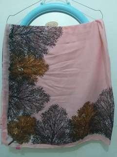 Jilbab Segiempat warna pink kalem