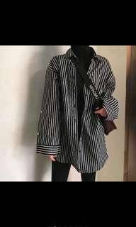 黑白條紋寬鬆長版襯衫外套