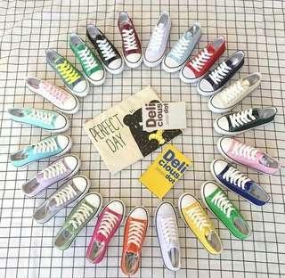 🚚 Unisex Sneakers