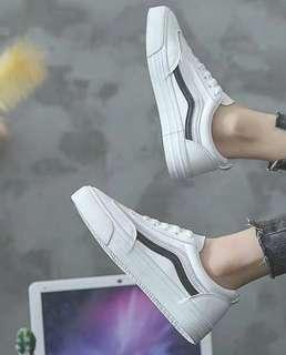 🚚 Uzzlang Sneakers