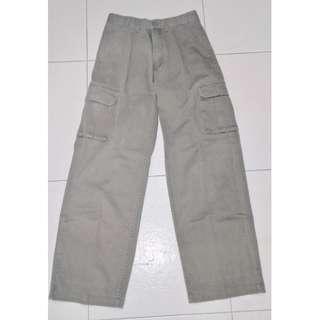 Cargo pants (women)