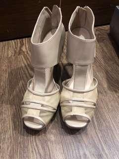 High heels Charles & keith