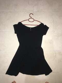 🚚 cotton on full plain black dress