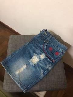 🚚 Ripped Denim Skirt