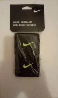 Nike 護腕 (黑、螢光黃)