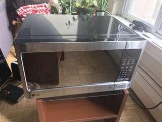 Countertop LG Microwave 1.1 cubic feet