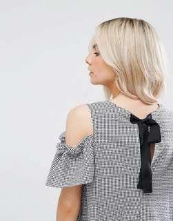 🚚 New Look Petite Gingham Cold Shoulder Dress