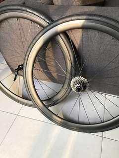Carbon clincher wheelset powerway hubs