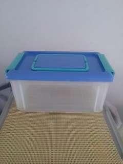 Plastic Container with Locking latch lid