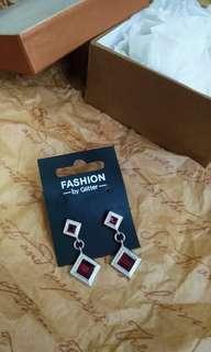 →Statement Earrings