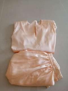 🚚 Preloved baju kurung