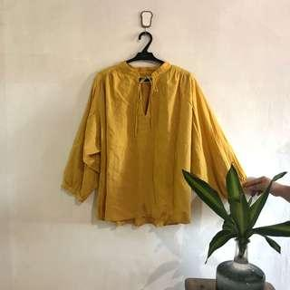 SUPER SALE: Uniqlo mustard top