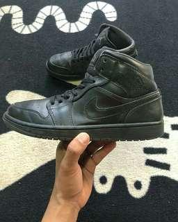 b4c76570dbc air jordan 1 black | Men's Footwear | Carousell Indonesia