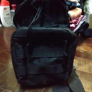 Black sling bag for man