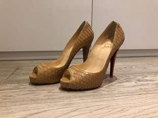 Christian Louboutin beige snake skin pumps 38.5