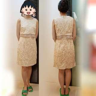 🚚 韓版 無袖立體雕花洋裝 米/金色