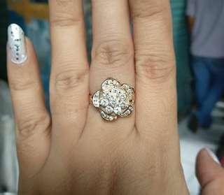 Ini jg cantik banget say, cincin model bungan batu besar